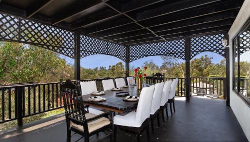 Ourdoor-Dining-Area